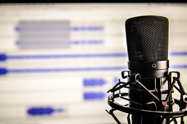 12 best business and tech podcasts that will make you a better entrepreneur